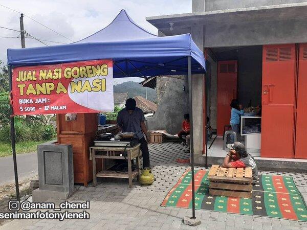 Viral Penjual Nasi Goreng Nggak Pakai Nasi
