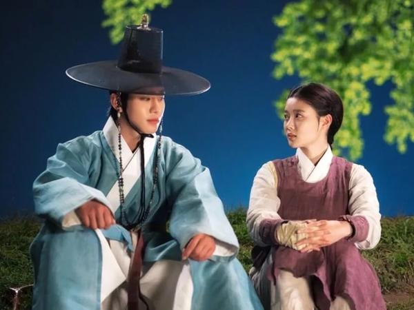 Intip Momen Romantis Kim Yoo Jung dan Ahn Hyo Seop di Drama 'Lovers of The Red Sky'