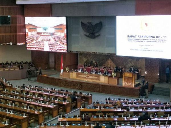 Begini Lho Penjelasan Kursi Kosong di DPR Bukan Berarti Wakil Rakyat Bolos