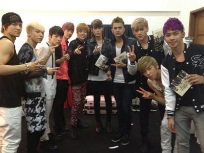 Teen Top dan S4 Bertukar Lagu di Music Bank Jakarta