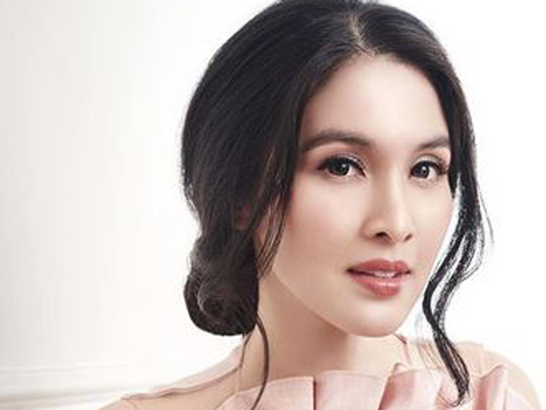 Sandra Dewi Ungkap Wajah Putra Kedua