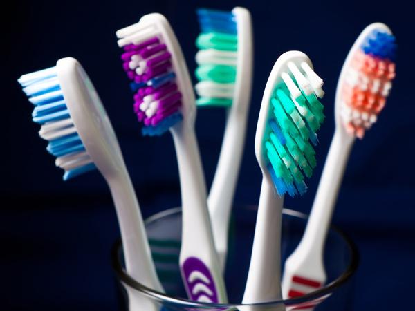 Ada Bakteri Berbahaya Menempel di Sikat Gigi, Simak Cara Mencegahnya