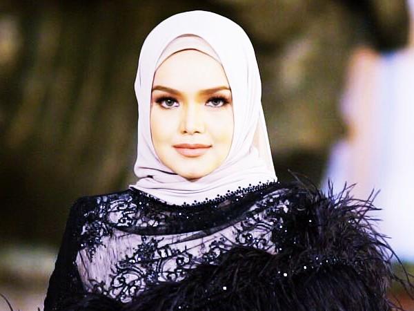 Siti Nurhaliza Dan Keinginannya Untuk Menyempurnakan Kecantikan Wanita Indonesia