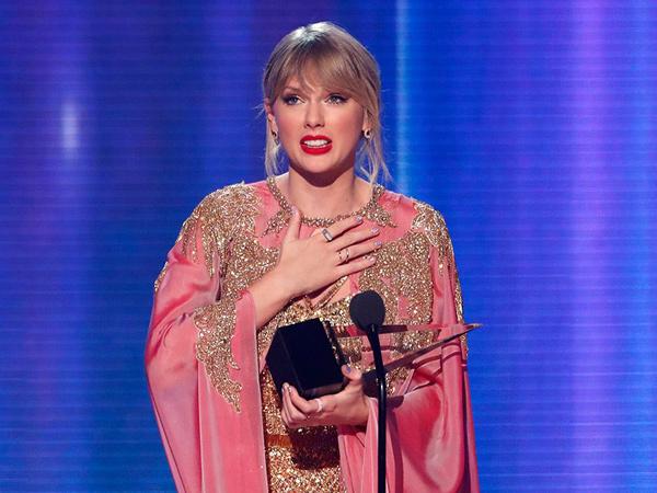 Taylor Swift Cetak Sejarah, Kalahkan Rekor Michael Jackson di American Music Awards 2019!