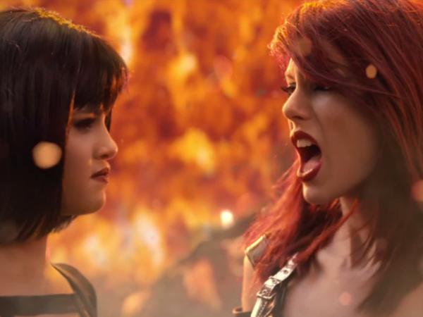 Bentuk Pasukan Bersenjata, Taylor Swift 'Perang' dengan Selena Gomez di MV 'Bad Blood'!