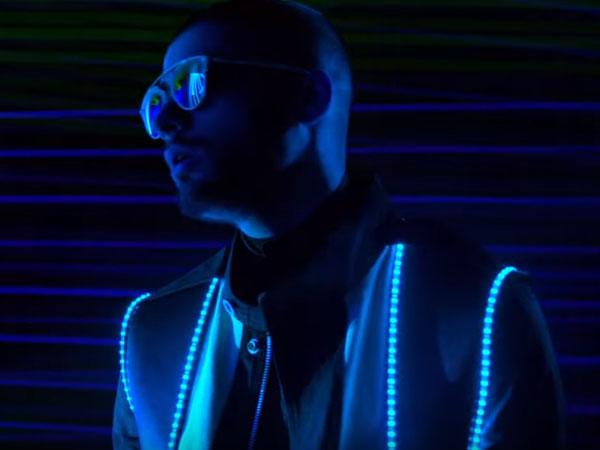 Punya Konsep Unik, Zayn Malik Tampil Glow in the Dark di Video Klip 'Like I Would'