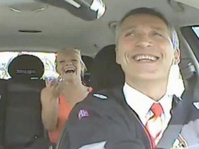 Wow, Dengarkan Keluhan Warga, PM Norwegia Jadi Sopir Taksi