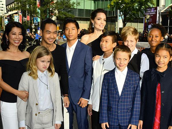Tampil Kompak, Angelina Jolie Ajak Keenam Anaknya Hadiri Film Terbarunya