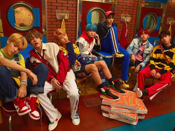 BTS Curi Perhatian di Red Carpet American Music Awards 2017