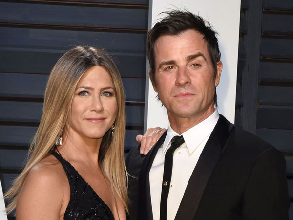 Telah Bercerai, Legalitas Pernikahan Jennifer Aniston dan Justin Theroux Malah Dipertanyakan?