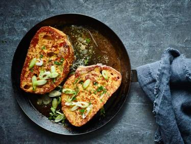 Meski Praktis nan Lezat, Pecinta French Toast Harus Waspada Akan Hal Ini!