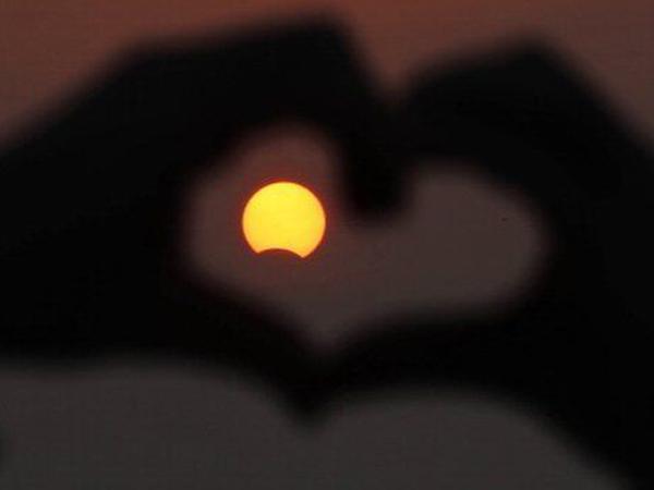 Dunia Menantikan Gerhana Matahari Hari Ini, Yuk Simak Fakta-Faktanya!