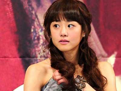 Moon Geun Young Banjir Air Mata Saat Syuting Chungdamdong Alice