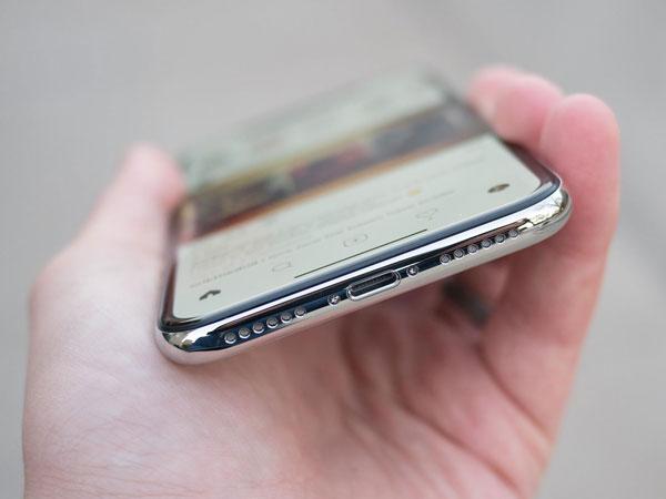 Serba Wireless, Apple Sempat Ingin Buang Semua Lubang di iPhone X