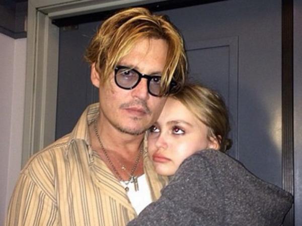 Johnny Depp Ungkap Alasan Beri Ganja untuk Putrinya di Usia 13 Tahun