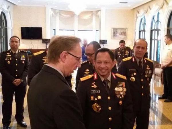 Bangga! Kapolri Tito Karnavian Dianugrahi Medali Penghargaan dari Kemendagri Rusia