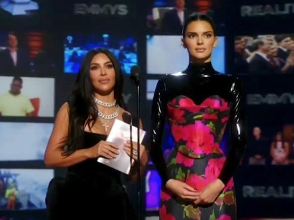 Kim Kardashian dan Kendall Jenner Ditertawakan Penonton Saat Baca Nominasi Emmy Awards 2019
