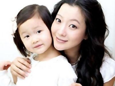 Anak Aktris Kim Hee Sun Marah Lihat Adegan Mesranya Dengan Lee Min Ho?