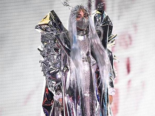 Lady Gaga Gunakan Masker Rancangan Desainer Indonesia di MTV VMA 2020