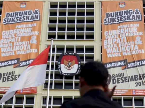 Teror Bom Hingga Politik Uang Warnai Pilkada Serentak Tahun Ini