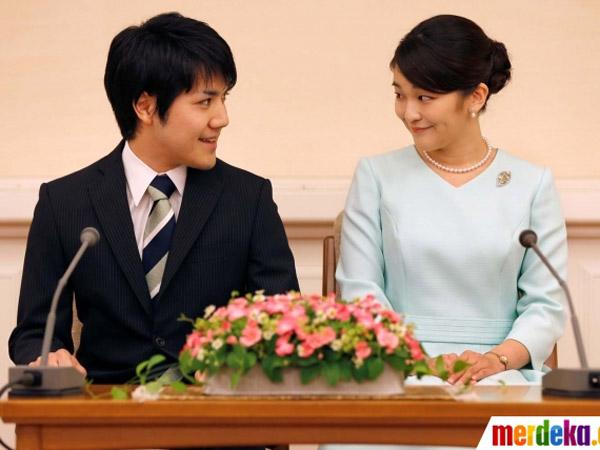 Putri Jepang Resmi Bertunangan dengan Pria 'Beda Kasta' dan Siap Lepas Gelar 'Cucu Kaisar'