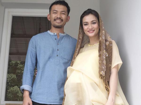 Selamat atas Kelahiran Anak Pertama Rio Dewanto dan Atiqah Hasiholan!
