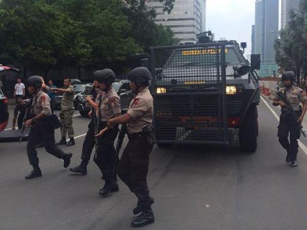 Ini Akses Jalan Yang Dialihkan Terkait Ledakan dan Tembakan di Sarinah-Thamrin