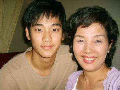 Inilah 7 Aktor Korea & Ibu Tersayang Mereka