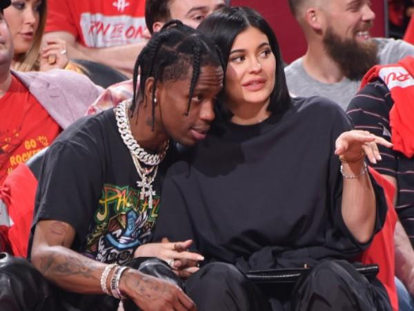 Inilah Kebenaran Dibalik Hubungan Kylie Jenner dan Travis Scott, Tidak Ada Kemungkinan Balikan?