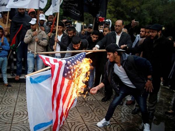 Trump Deklarasi Perang Terhadap Miliaran Umat Muslim dan Nasrani Atas Pengakuan Ibu Kota Israel?