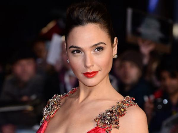 Selesaikan Proses Syuting 'Wonder Woman', Gal Gadot Posting Status Manis di Facebook