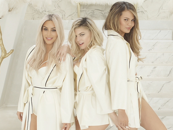 Fergie Tampilkan Hot Mom di Video Klip Terbarunya 'M.I.L.F.$'