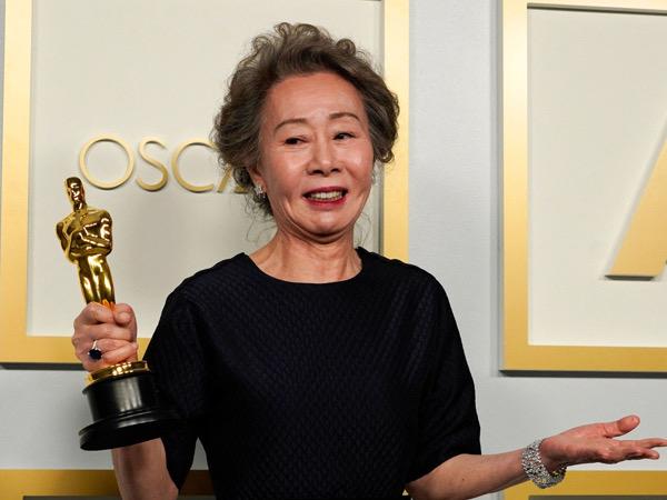 Netizen Puji Cara Youn Yuh Jung Tanggapi Pertanyaan Iseng Reporter di Oscar 2021