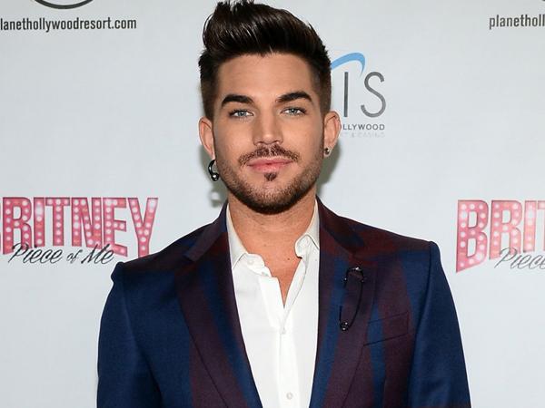 Adam Lambert Ngaku Sering Pacaran Dengan Aktor Hollywood yang Diam-diam Gay