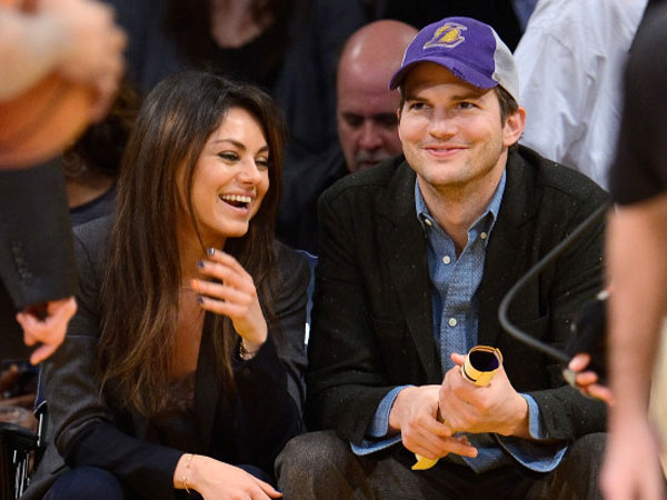 Intip Pasangan Mila Kunis dan Ashton Kutcher Parodikan Trailer Twilight di 'MoonQuakes'