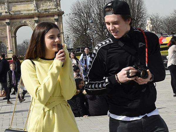 Bukan Chloe Moretz, Brooklyn Beckham Asyik Hangout Bareng Mantan Kekasih Supermodelnya di Paris