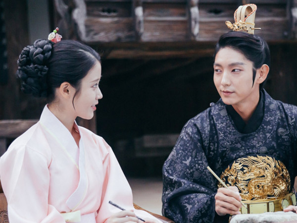 Unggah Foto Dibalik Layar, IU Bocorkan Akhir Kisah Lain Drama 'Scarlet Heart: Ryeo'