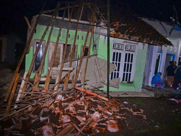 Seperti Ini Foto Kondisi Terkini Akibat Gempa di Berbagai Wilayah