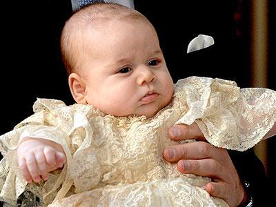 Imutnya Pangeran George Saat Dibaptis!