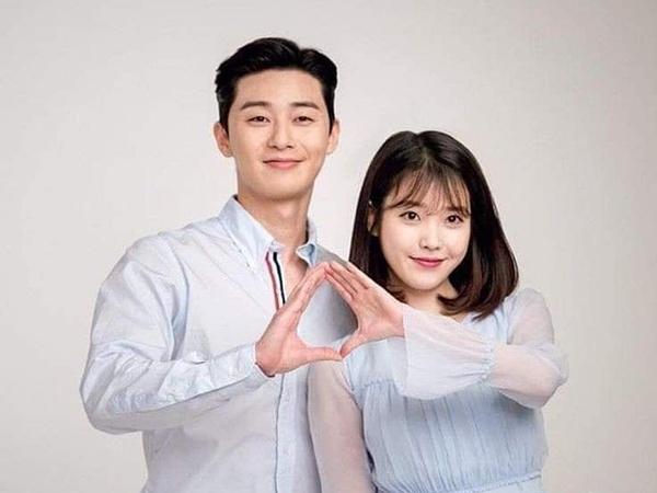 IU dan Park Seo Joon Pamer Chemistry di Pembacaan Naskah Film 'Dream'