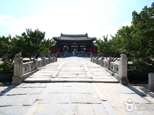 Mengintip Istana Changgyeonggung Film 'The Throne' yang Asyiknya Dibuka Untuk Umum!