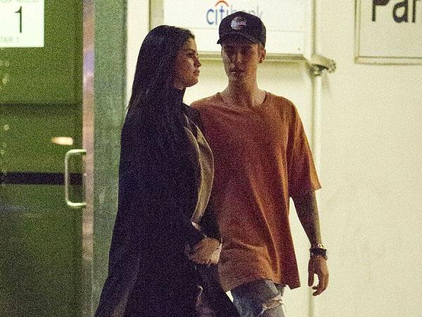 Terlihat Jalan Bareng, Selena Gomez dan Justin Bieber Balikan Lagi?