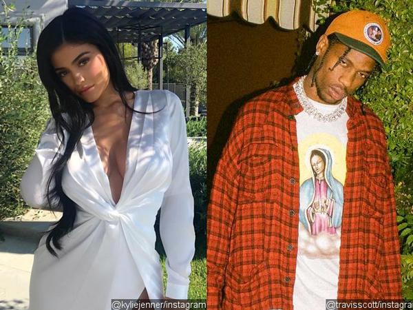 Pamer Cincin di Jari Manis, Kylie Jenner Tunangan dengan Travis Scott?