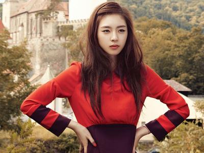 """Lee Yeon Hee: """"SM Entertainment Bolehkan Pacaran Asal Tak Ketahuan"""""""