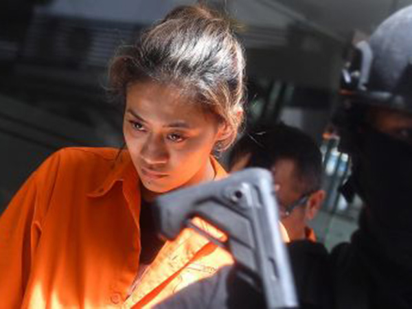 Bintang Film 'Air Terjun Pengantin' Nanie Darham Ditangkap Polisi, Diduga Pengedar Narkoba