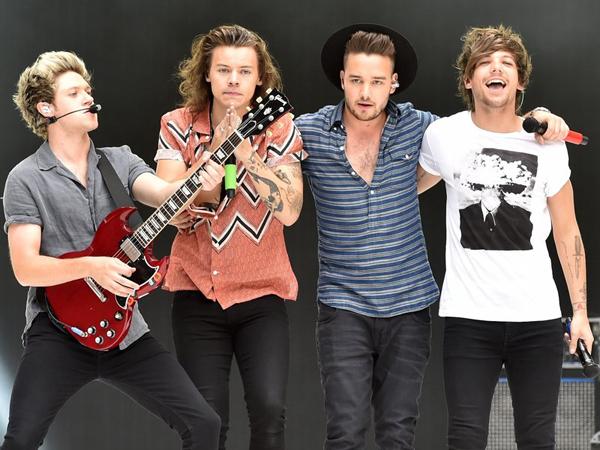 One Direction Mengaku Belum Cukup Keren untuk Tampil di Festival Glastonbury