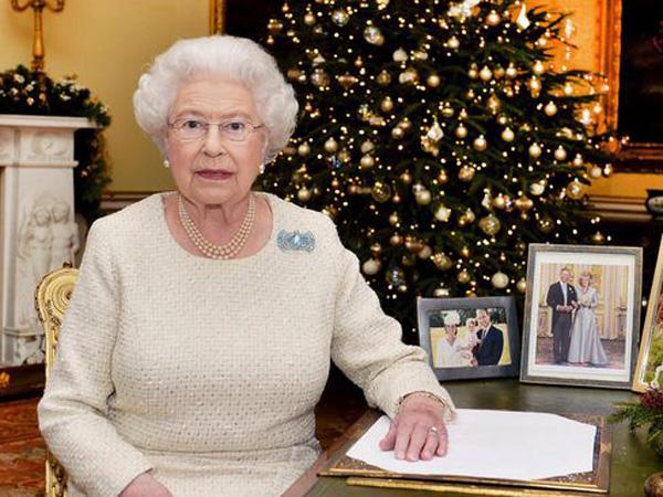 Rayakan Piknik Besar-Besaran, Undangan Ulang Tahun Ratu Elizabeth Dijual Jutaan Rupiah!