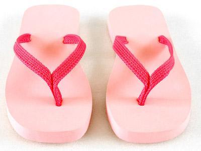 Pakai Sandal Jepit Bisa Bahayakan Kesehatan?