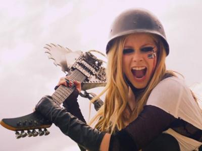 Avril Lavigne Bocorkan Daftar Lagu Album Terbarunya!