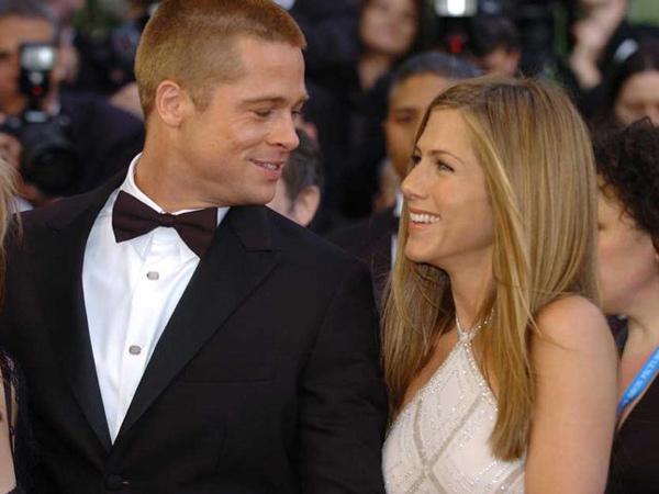Jennifer Aniston Reunian dengan Brad Pitt di Pesta Natal, Balikan?